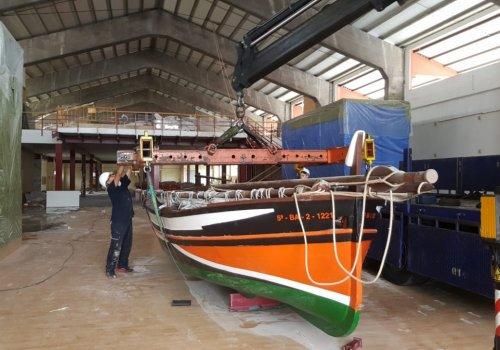 El trasllat de les barques al Tinglado 2 marca l'inici de les obres de remodelació del Museu del Port